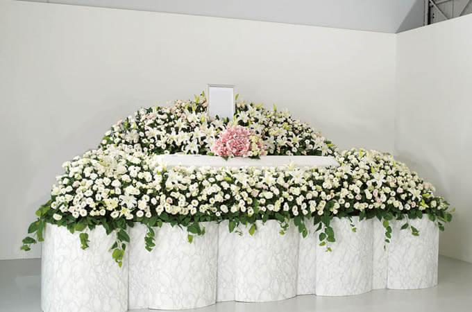 知っておきたい!葬儀・葬式の【お花の種類】 class=