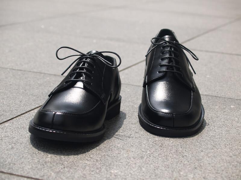 知っていますか?葬儀・お葬式の「靴のマナー」 class=