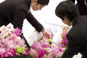 【新しい葬儀】増加している「直葬」とは class=