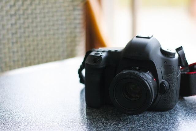 シニアの趣味として根強い人気の写真撮影 class=