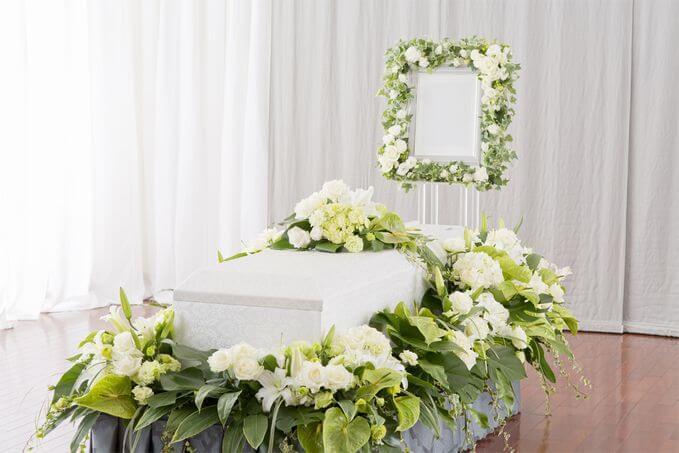 縦置き型の花祭壇のサンプル